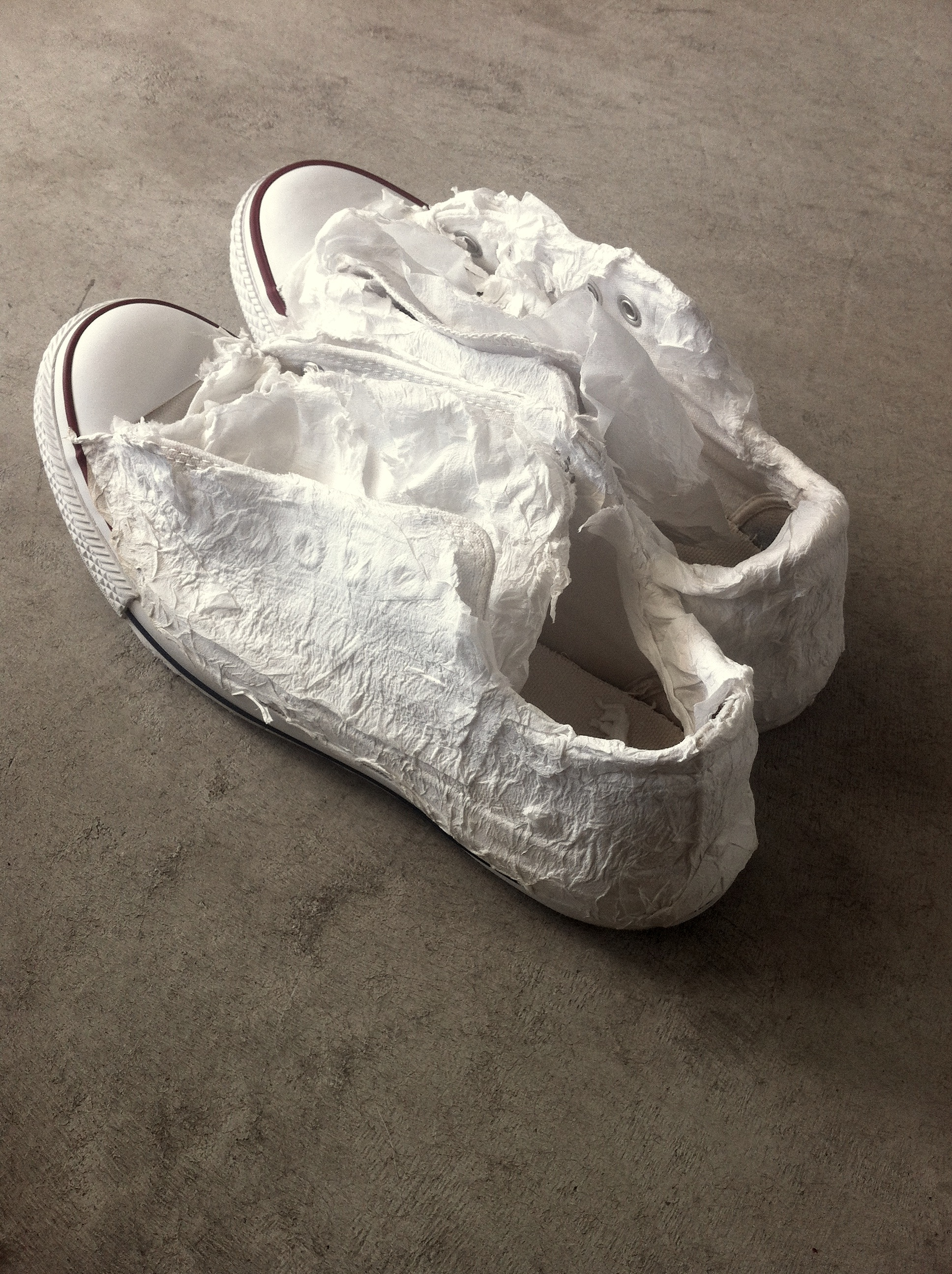 How To Whiten Canvas Tennis Shoes