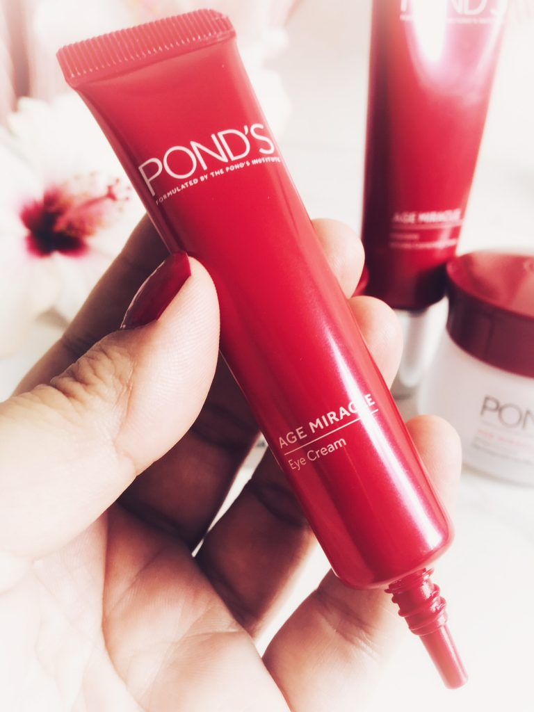 Ponds Age Miracle Skincare Review In My Bag I Found This To Be A Very Effective At Hydrating Eye Area While Slightly Reducing Fine Lines The Formula Combines Blur Technology With Optic